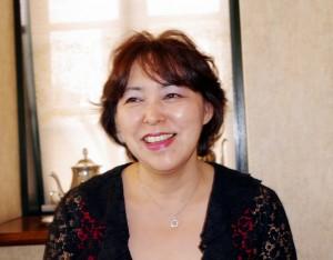 日本紅茶協会認定ティーンストラクターの高亀マネージャー